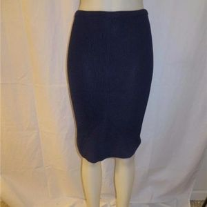 BLOOMINGDALE'S NAVY BLUE STRAIGHT KNIT SKIRT XS